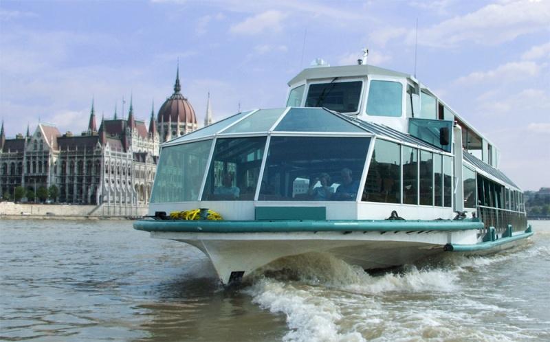 Legenda-Cruise-Ship-Budapest